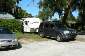 A vehicle owned by Frtitz Kirsch blocks an alleyway between Fourth and Third Avenue North. Credit: City of Safety Harbor.